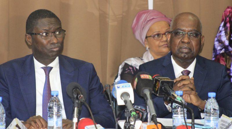 La passation de services entre le ministre de Justice entrant Me Malick Sall et Ismaïla M. Fall en images